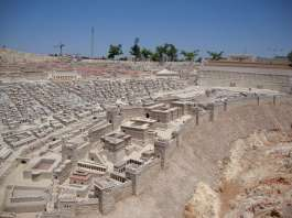 Model of Jerusalem on eve of destruction 70 AD